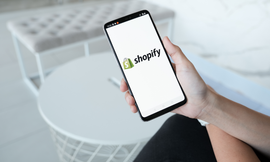 Las 10 mejores apps de Shopify en 2021 para optimizar tu e-commerce (gratuitas y de pago)